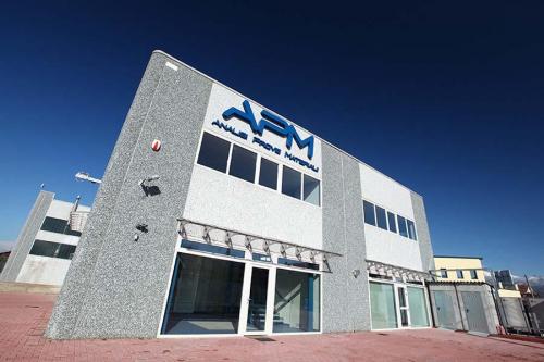 Fotografia esterno facciata azienda APM Canavese