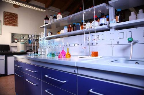 Foto laboratorio analisi torino