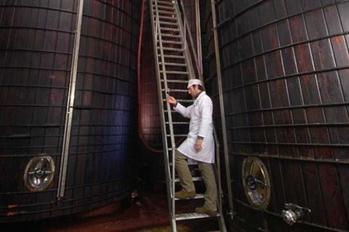 Fotografia produzione aceto industriale varvello torino